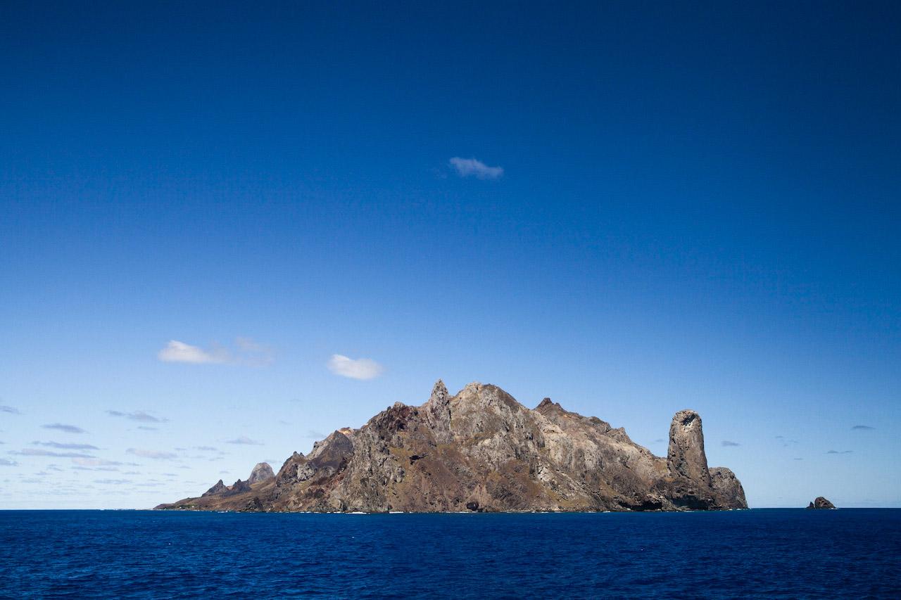 [Imagen: ilha_de_trindade.jpg]